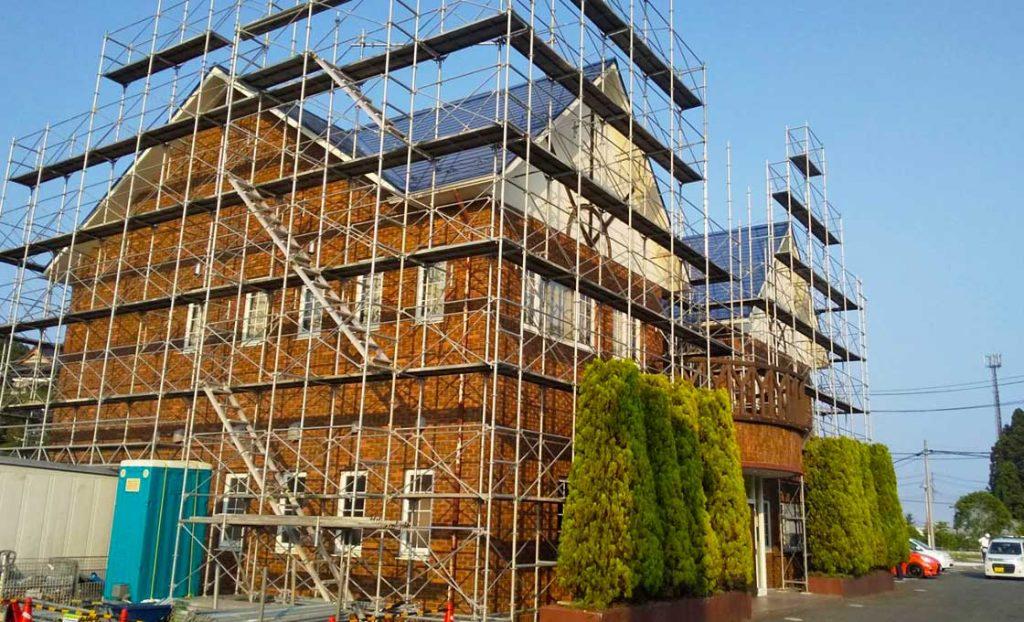 工事施工開始 利府やすい眼科屋根塗装用足場組立工事 001